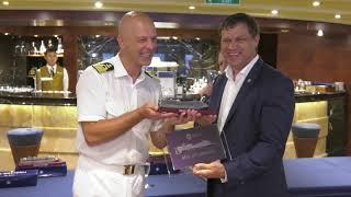 видео Гигантский круизный лайнер MSC Splendida впервые посетит Владивосток