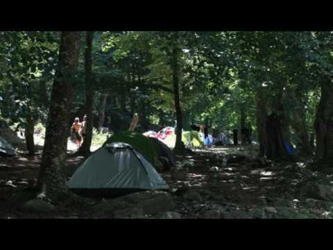 Köylüler kampçıları şikayet etti: Kadın erkek çıplak dereye giriyorlar