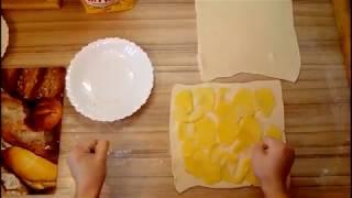 Слоеный пирог с картошкой и сосисками