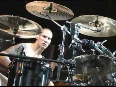 Godsmack-Drum Battle,Keep Away,Stress live(2002)