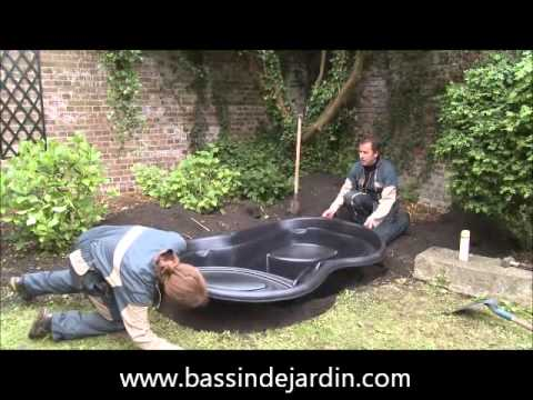 Installer un bassin de jardin pr form youtube for Bassin de jardin villaverde