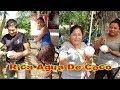 Comprando Cocos A La Orilla De La Calle, Disfrutando Una Deliciosa Agua de Coco Natural En Guatemala