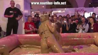 Repeat youtube video Hrvanje u blatu - Mud wrestling