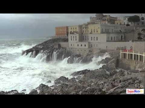 Sea Storm (mareggiata) in Santa Cesarea Terme (Lecce - Italy) 01/12/2013