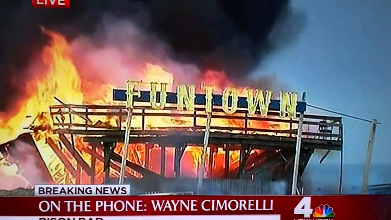 Funtown building burns down live at The Seaside Park Fire in NJ on Sept 12,  2013