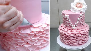 CAKE DECORATING WITH BUTTERCREAM