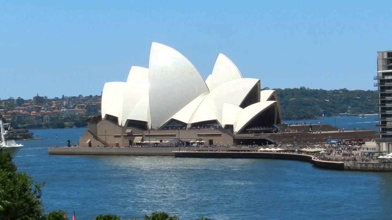 Sydney opera house and harbour bridge - Sydney City Tours Circular Quay Sydney Opera House Sydney Harbour Bridge The Rocks 2016 01 08