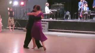 """Gambar cover Claudia et Esteban dansent sur le tango """" Tu Corazon """""""