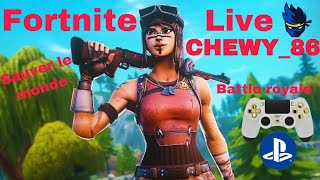 Live on Fortnite br and slm I play with you (I have the dark pack)!