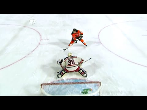 Henrik Lundqvist penalty shot save on Briere - 2012 Winter Classic [HD]