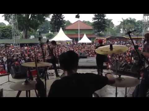 Cover drum Stand here alone - kita lawan mereka