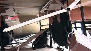 В Костроме учительница спасла целый класс(В Костроме учительница спасла целый класс. Она вывела детей из кабинета за несколько секунд до того, как..., 2016-02-18T04:09:43.000Z)