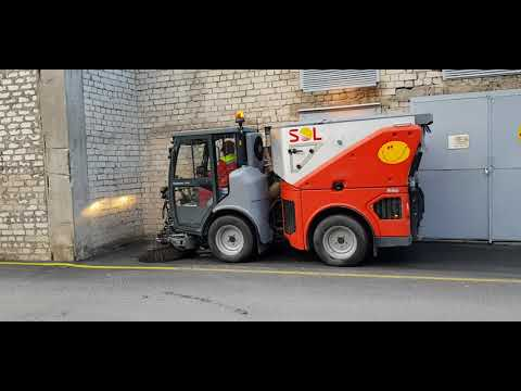 SOL Citymaster cleans outdoor parking lot