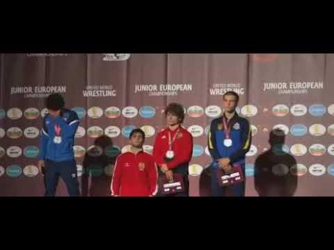 Азербайджанский борец заплакал у всех на глазах во время церемонии награждения армянского спортсмена