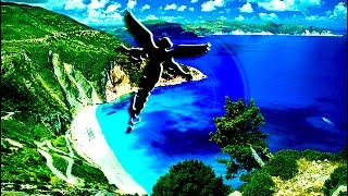 Новое видео НЛО: в Крым прилетел объект, напоминающий Ангела(Данное видео НЛО было снято в конце октября 2015 года в Крыму. На кадрах видно, что неопознанный объект очень..., 2015-12-18T08:34:25.000Z)
