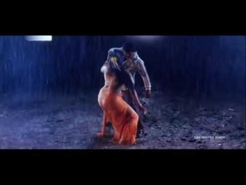 Telugu senior Actress Pavithra Lokesh hot song