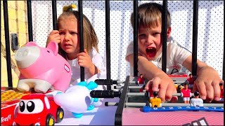 Download Кто ЗАБРАЛ наши ИГРУШКИ ?!! Someone TOOK OUR TOYS Mp3 and Videos