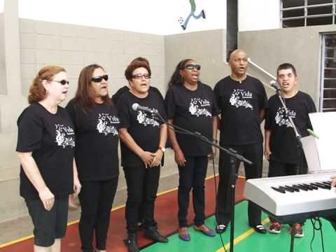 Assistidos do Instituto Luiz Braille ganham festa de natal