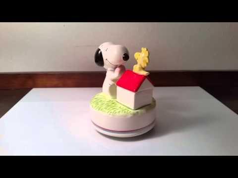 Vintage Peanuts Snoopy & Woodstock Love Story Rotating Musical Figurine
