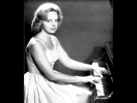 Agnelle Bundervoet plays Bach Em Toccata, BWV 914