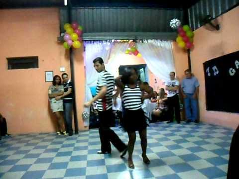 Apresentação de samba com Luciano e Morgana na Escola Acácio de Souza