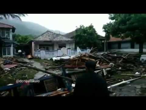 Tsunami Luluh Lantakkan Pemukiman di Pesisir Lampung Selatan