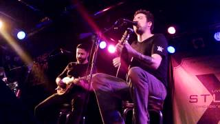 Frank Turner - Live And Let Die / Photosynthesis - Chicago, IL WXRT Studio X - October 29 2013