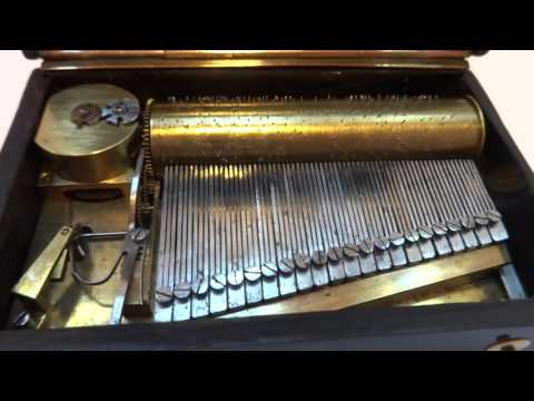 Antique (circa early 1820s) sectional comb music box