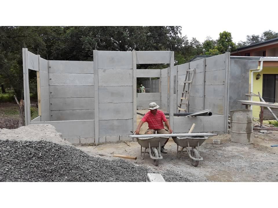 Idekasa construcciones casa prefabricada youtube for Construcciones minimalistas
