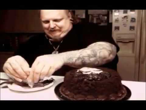 World Famous Tattoo Artist PAUL BOOTH Bakes a Birthday ...