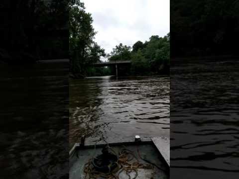 Nolan drives boat Kaskaskia River