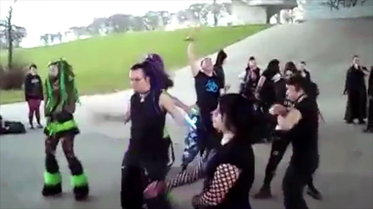 Cybergoth dance party vine