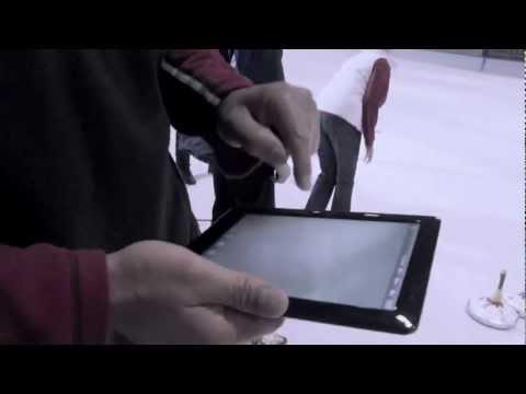 tablet-pc-zerschellt-auf-eisfläche