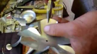 Artesanato - Flor lata de aluminio reciclada _ BuieArte   www.myspace.com/buiearte