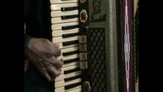 Dil apna aur preet parayi instrumental on accordion by kankan dasgupta