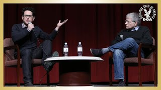 Repeat youtube video Star Wars: The Force Awakens DGA Q&A with J.J. Abrams & Lawrence Kasdan