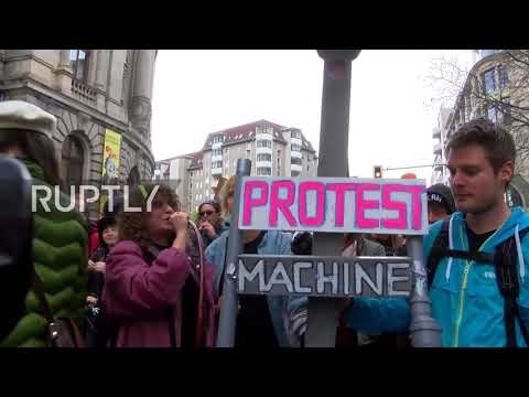 Germany: 15,000 protest skyrocketing property costs in Berlin