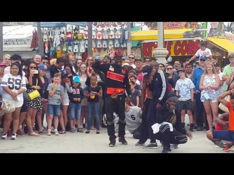 santa monica street show