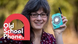 A space engineer has built her own 'retro' cell phone 📞 | SWNS
