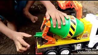 Download Video Tuk Beko Pengeruk Tanah |  Truk Molen | Cement Mixer | Excavator Vehichles | Playing For Kids MP3 3GP MP4