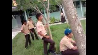 Download Video crazy men MP3 3GP MP4