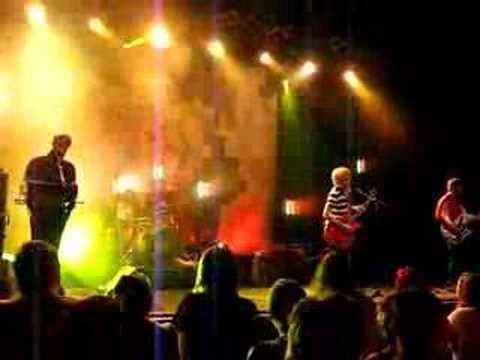 The Delays - Valentine (ABC Glasgow 13/04/2008)