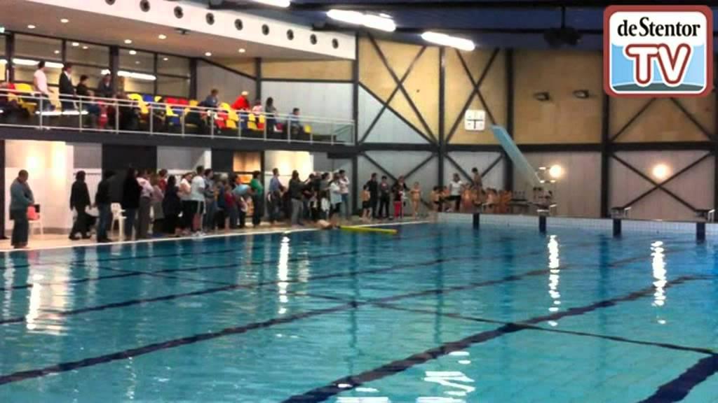 Zwembad De Does : Schwimmbad kampeerdorp de zandstuve