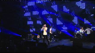 Agent Fresco performing Anemoi & Eyes of a Cloud Catcher