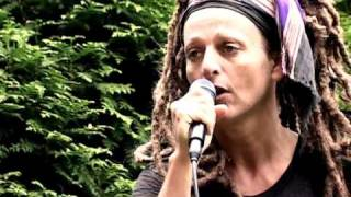 The SLITS -Fade Away- live from grove R.I.P Ari UP