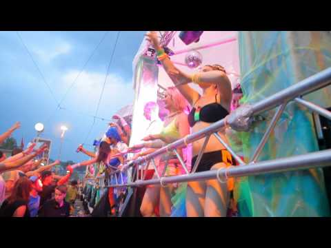 Street Parade Zurich 2014: Lovemobile 27 - Tanzende Mücken - Official Aftermovie