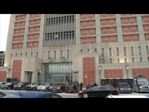 Brooklyn inmates stuck in dark, freezing cells, lawyers say Mp3