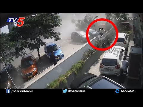 Hyderabad Biodiversity Flyover CCTV Visuals | Car CCTV Footage | TV5 News
