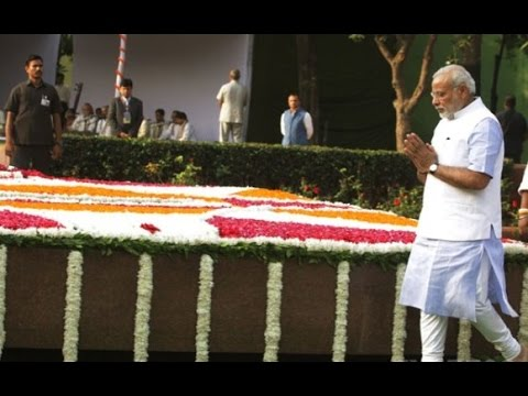 Narendra Modi pays homage to Mahatma Gandhi on his 67th death anniversary