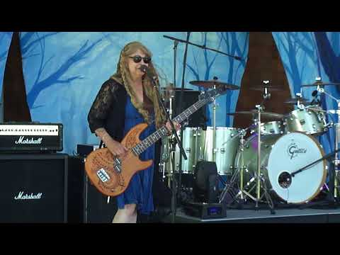 Peace, Love, Music at Lud Rock 2018 Video 1 M4H06046